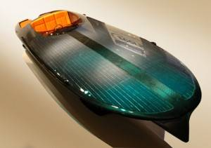 Czeers_mk1_solar_boat_angle_large